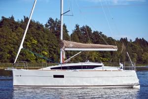 Sun-Odyssey-319(21)